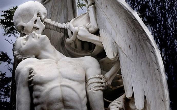 15 кладбищенских историй для тафофилов