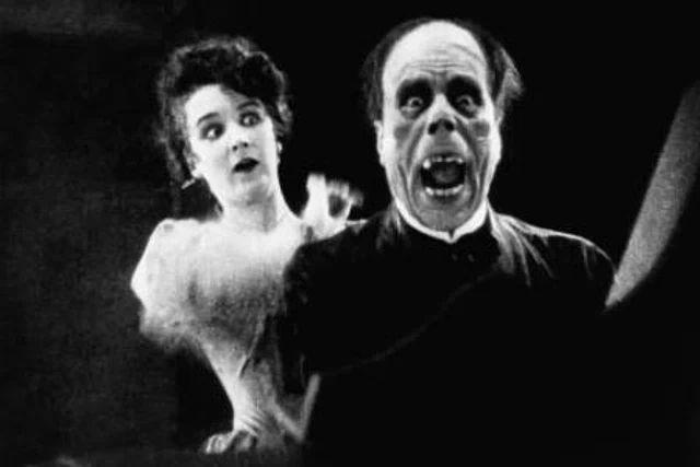 Культовая сцена, напугавшая самого Лавкрафта – ужасающий грим Лона Чейни в фильме «Призрак Оперы» (1925)