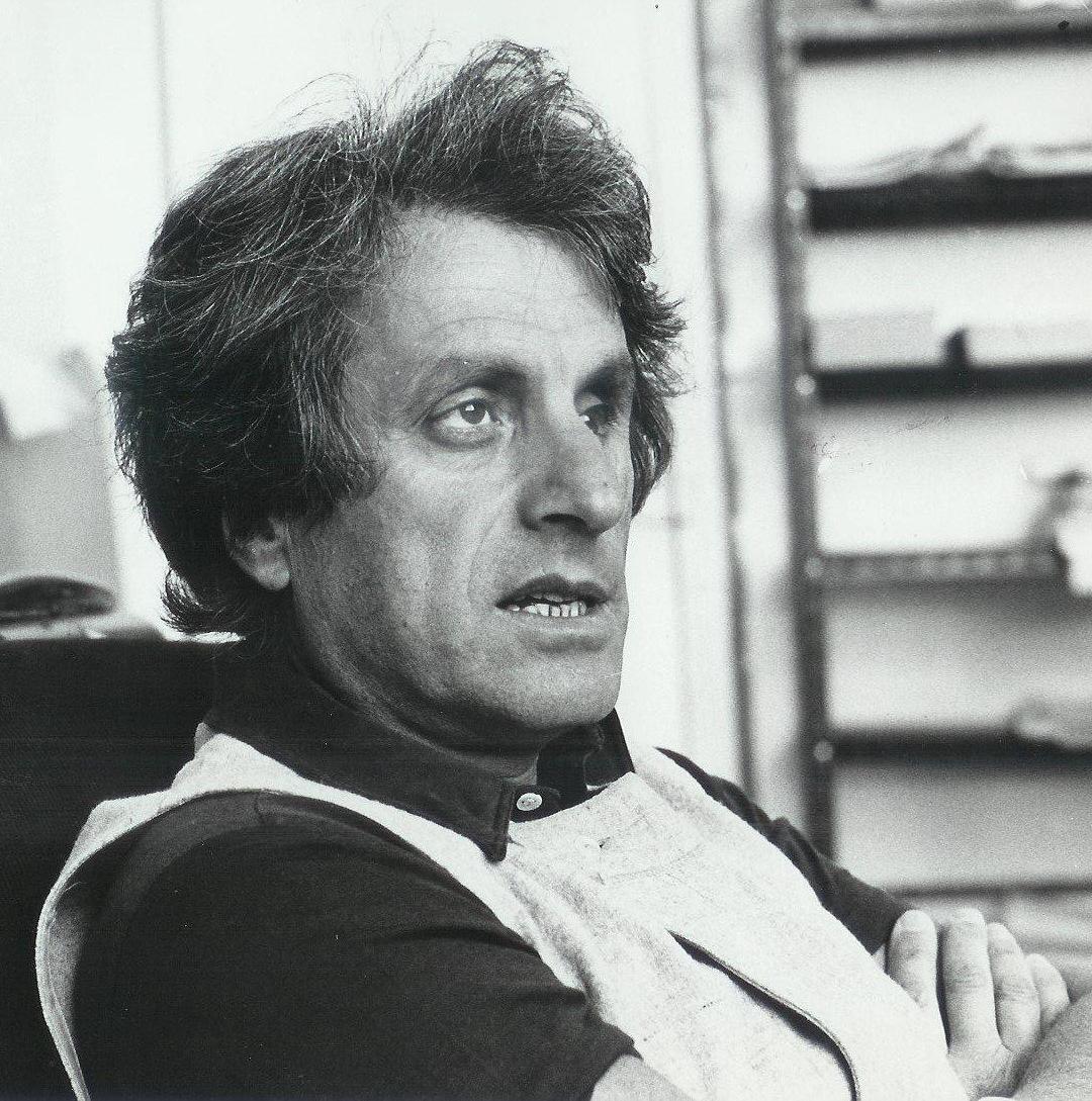 Янис Ксенакис
