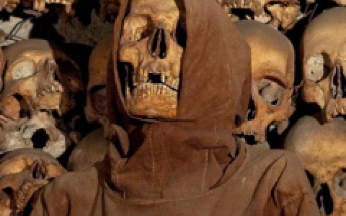 Санта-Мария-делла-Кончеционе: Выход через сувенирную лавку