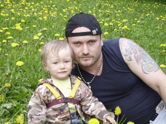 Александр Варго, чтобы о нем не думали читатели, очень любит детей.